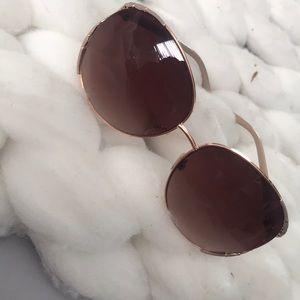 Cute sunglasses — like new!!
